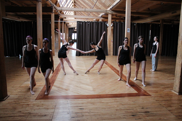 Modet_Dance_Collective_Bridgeport_Arts_Center_2014-05-03_photo_by_Fuzzy_Gerdes_IMG_1391.JPG
